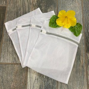 4 White Zippered Mesh Laundry Bags